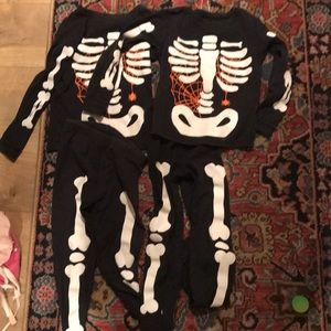 Other - Size 5 and 6 matching Carters Halloween pajamas